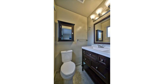 12-ensuite-bathroom