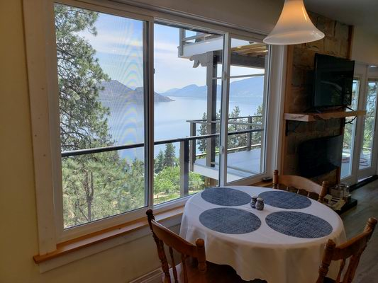peachland bnb dining space